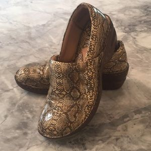 Bolo snake style shoes